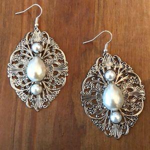 Jewelry - Silver & Pearl Dangle Earrings
